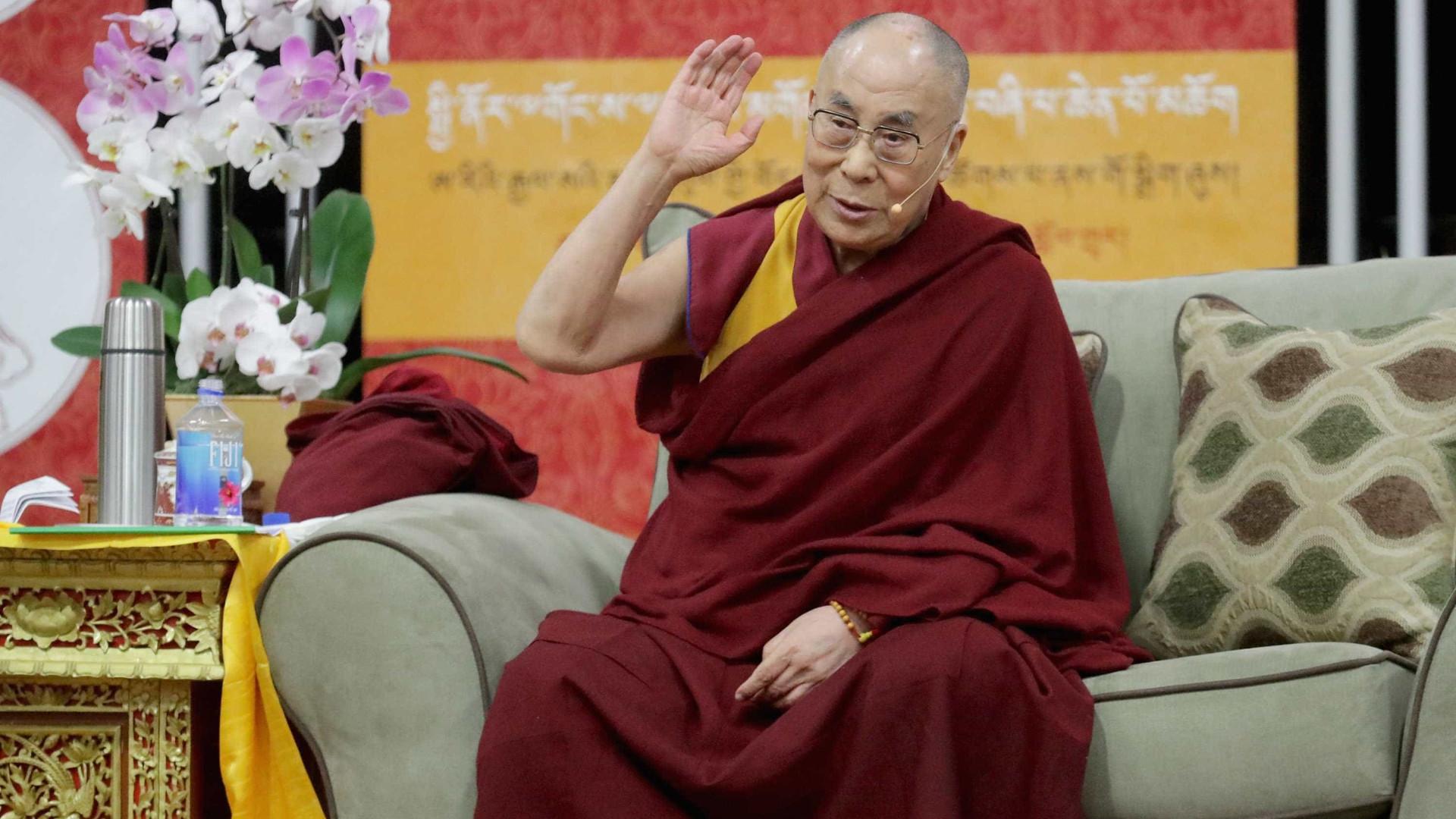 Dalai Lama cancela visita ao Botswana por exaustão