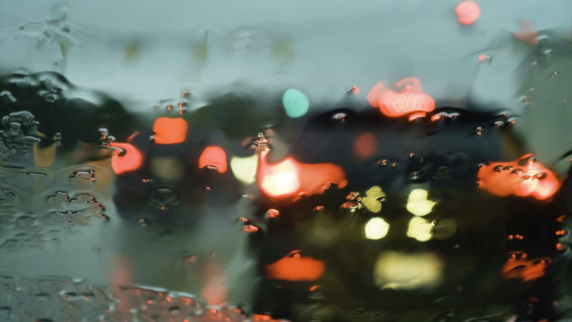 Aviso amarelo para cinco ilhas dos Açores devido à chuva e trovoada