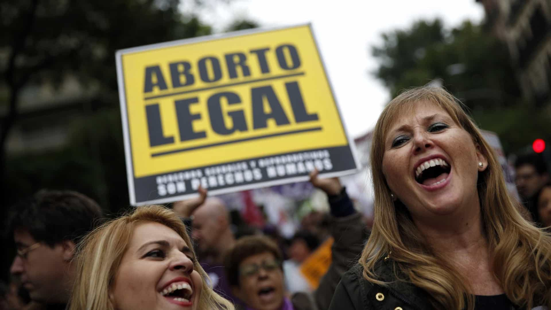 Aborto legal e educação sexual marcaram 50 anos do planeamento familiar