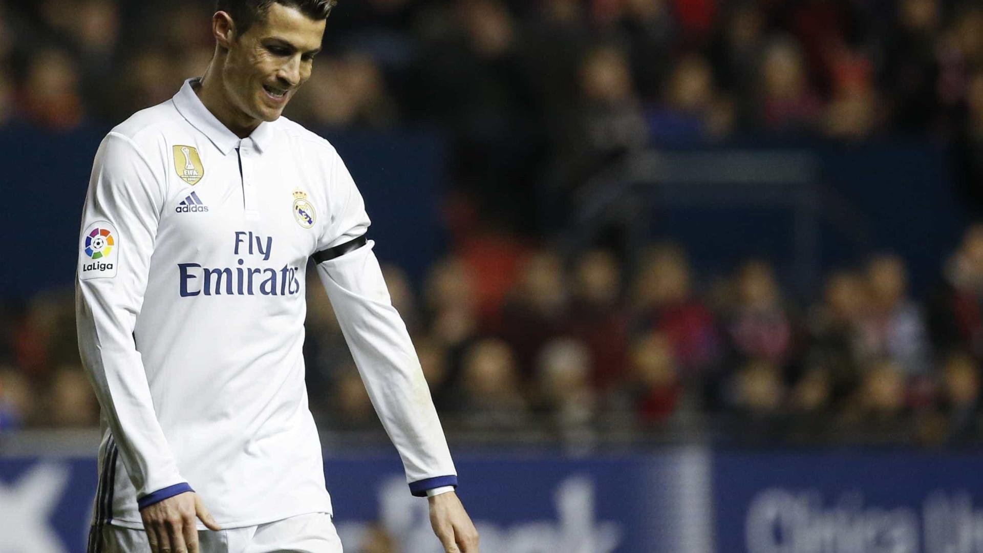 """""""Ronaldo é um jogador fenomenal mas tem uma enorme desvantagem"""""""