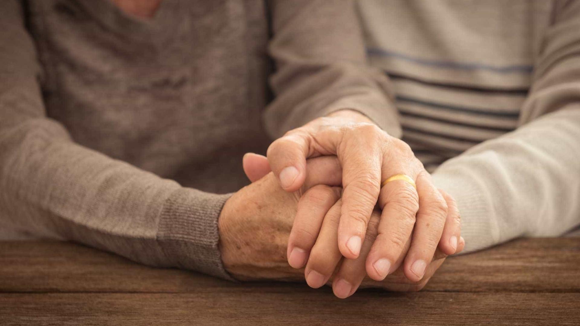 Mais de 165 mil idosos receberam Complemento Solidário em abril