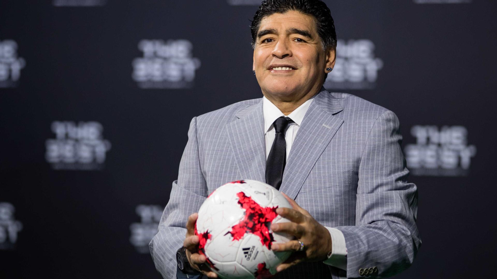 """Maradona após ser operado: """"Graças a Deus foi um sucesso"""""""