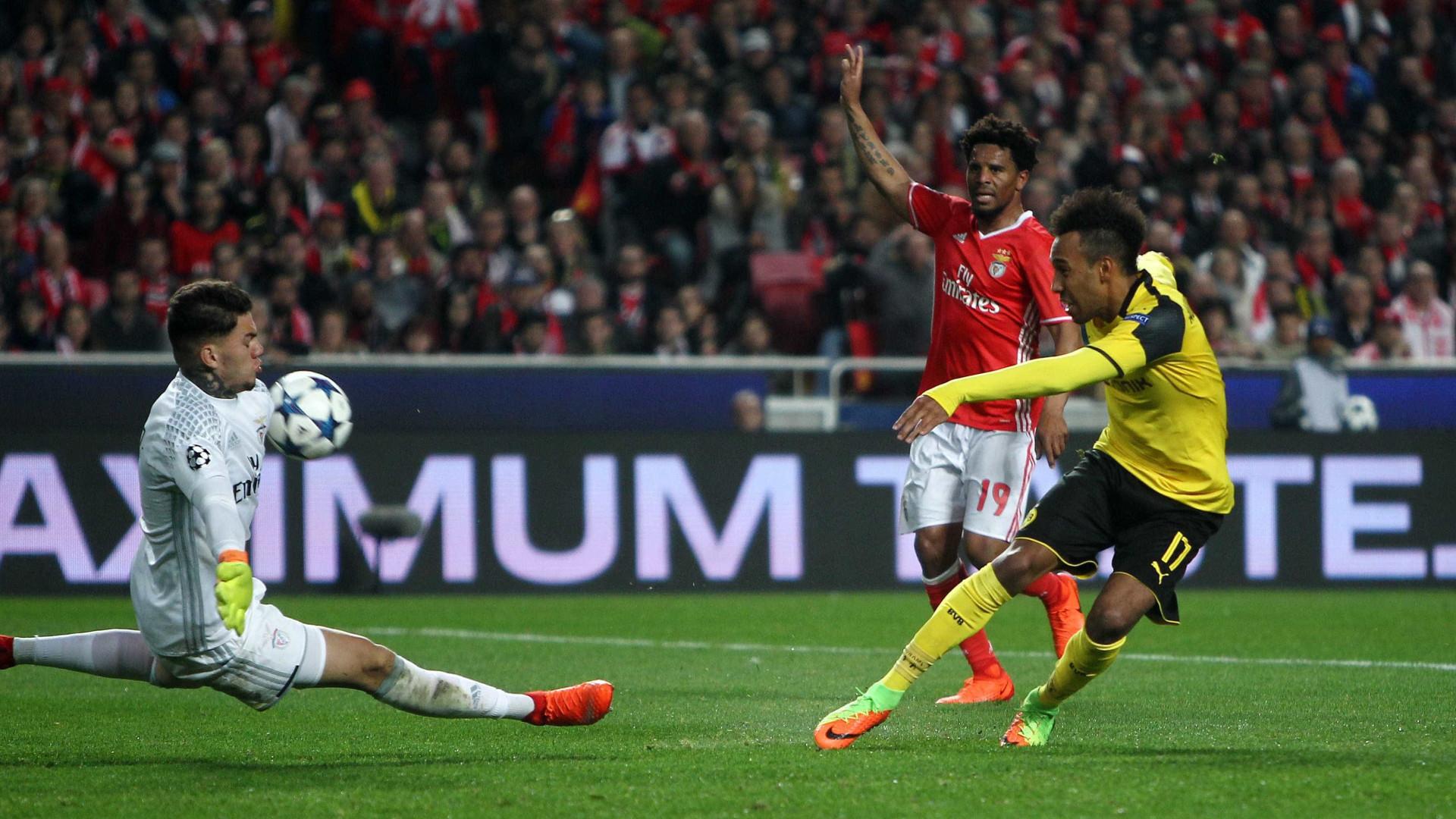 José Mourinho atribui vitória do Benfica ao desempenho de Ederson