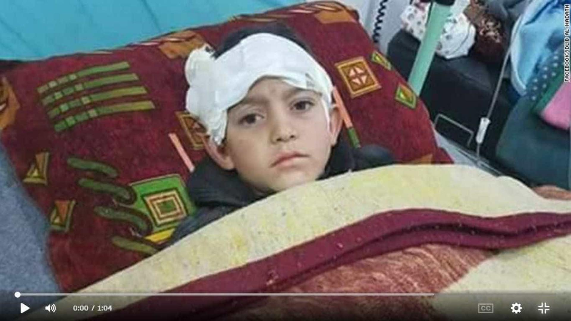 Mais bombardeamentos e mais um menino vítima da guerra na Síria