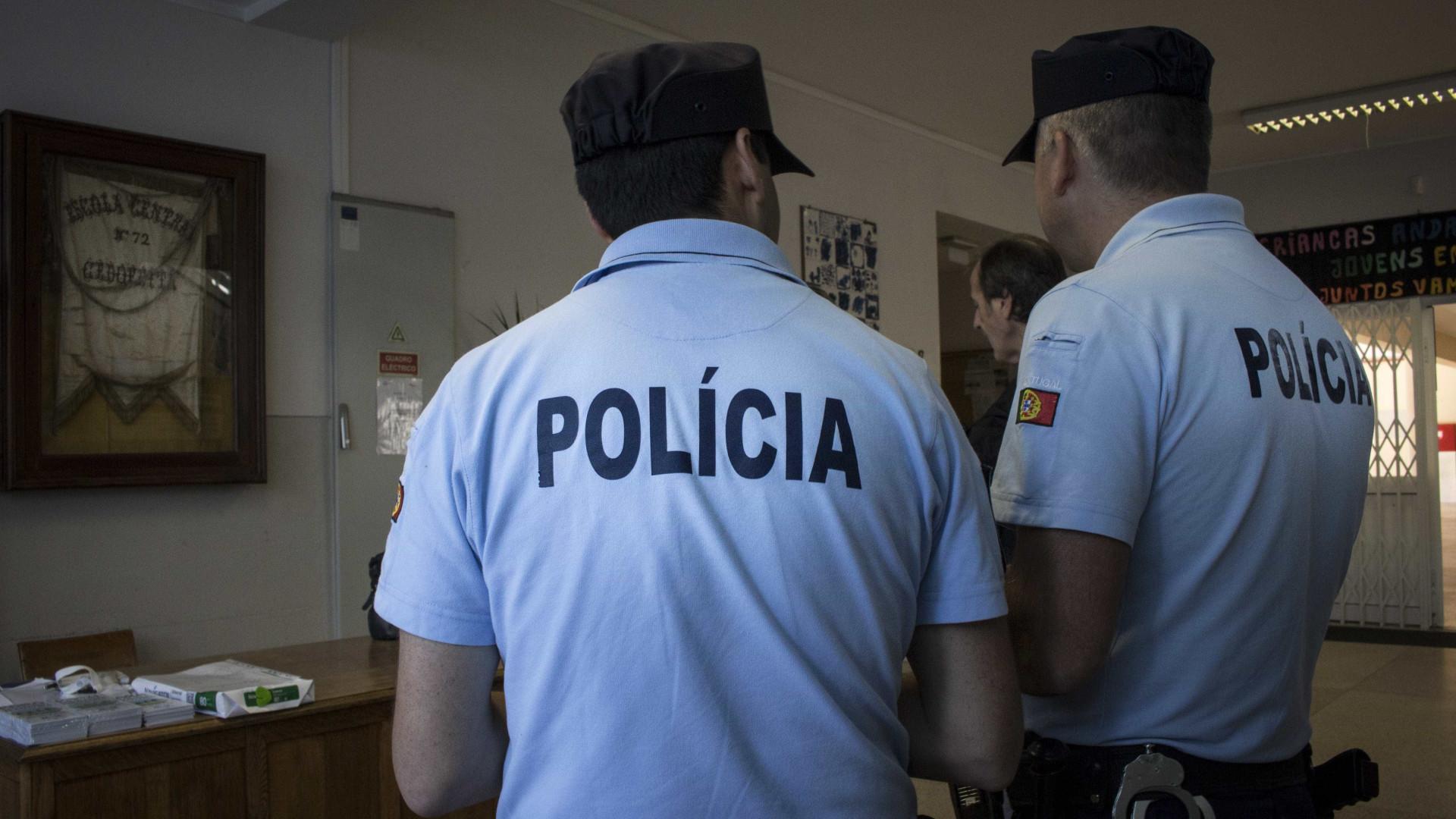 PSP deixou-as furtar mil euros para as apanhar com as 'mãos na massa'