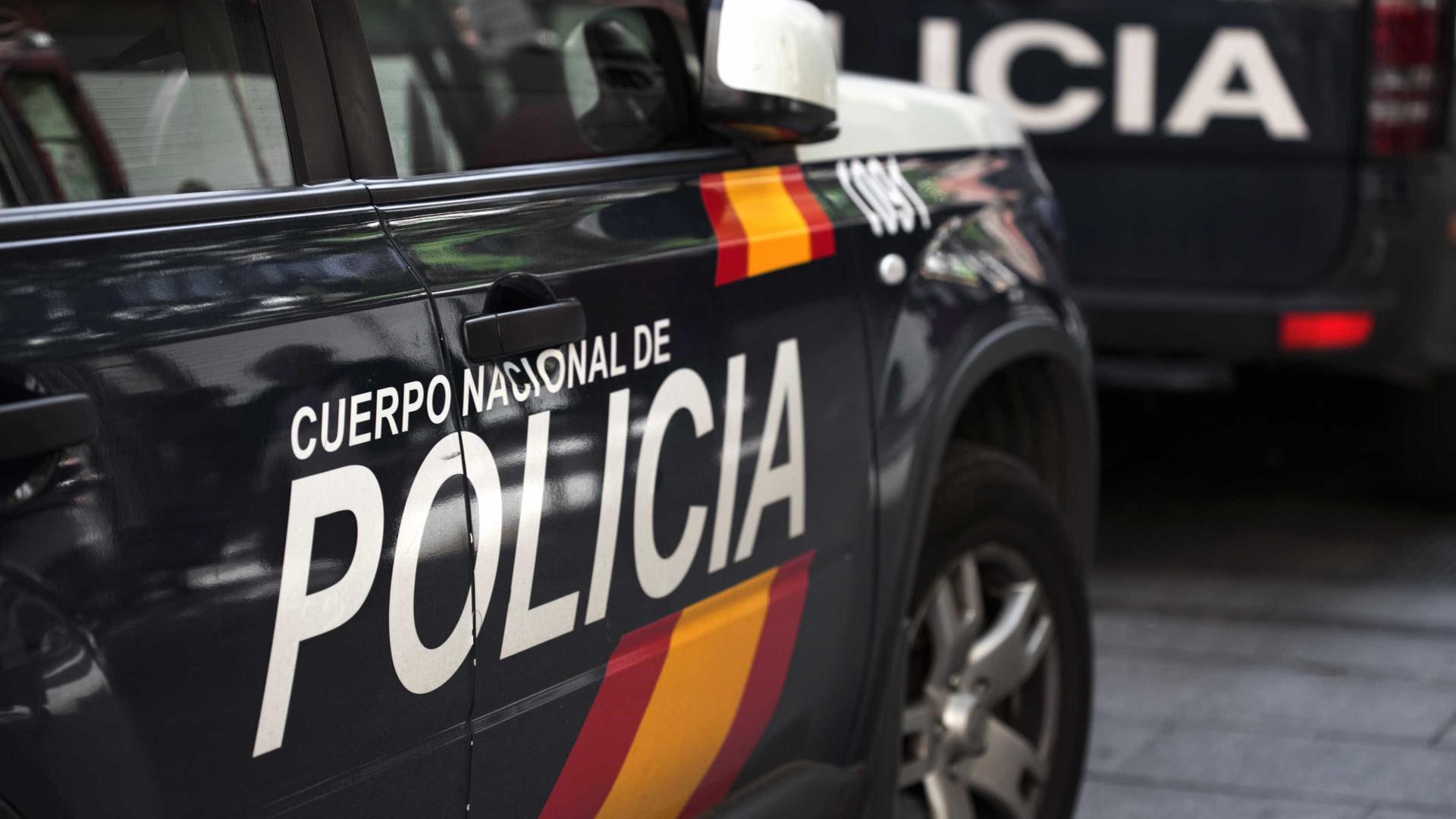 Polícia desmantela rede de exploração sexual de jovens brasileiras