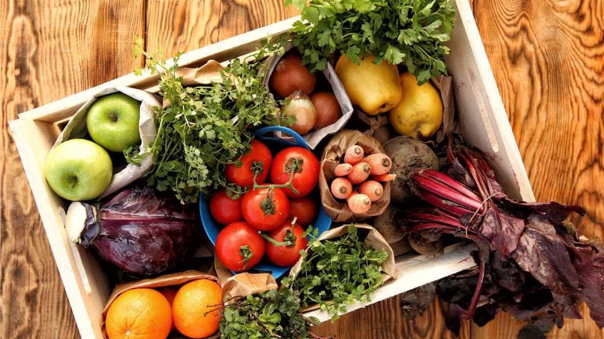 Viver mais e melhor? Então coma dez porções de frutas e vegetais por dia