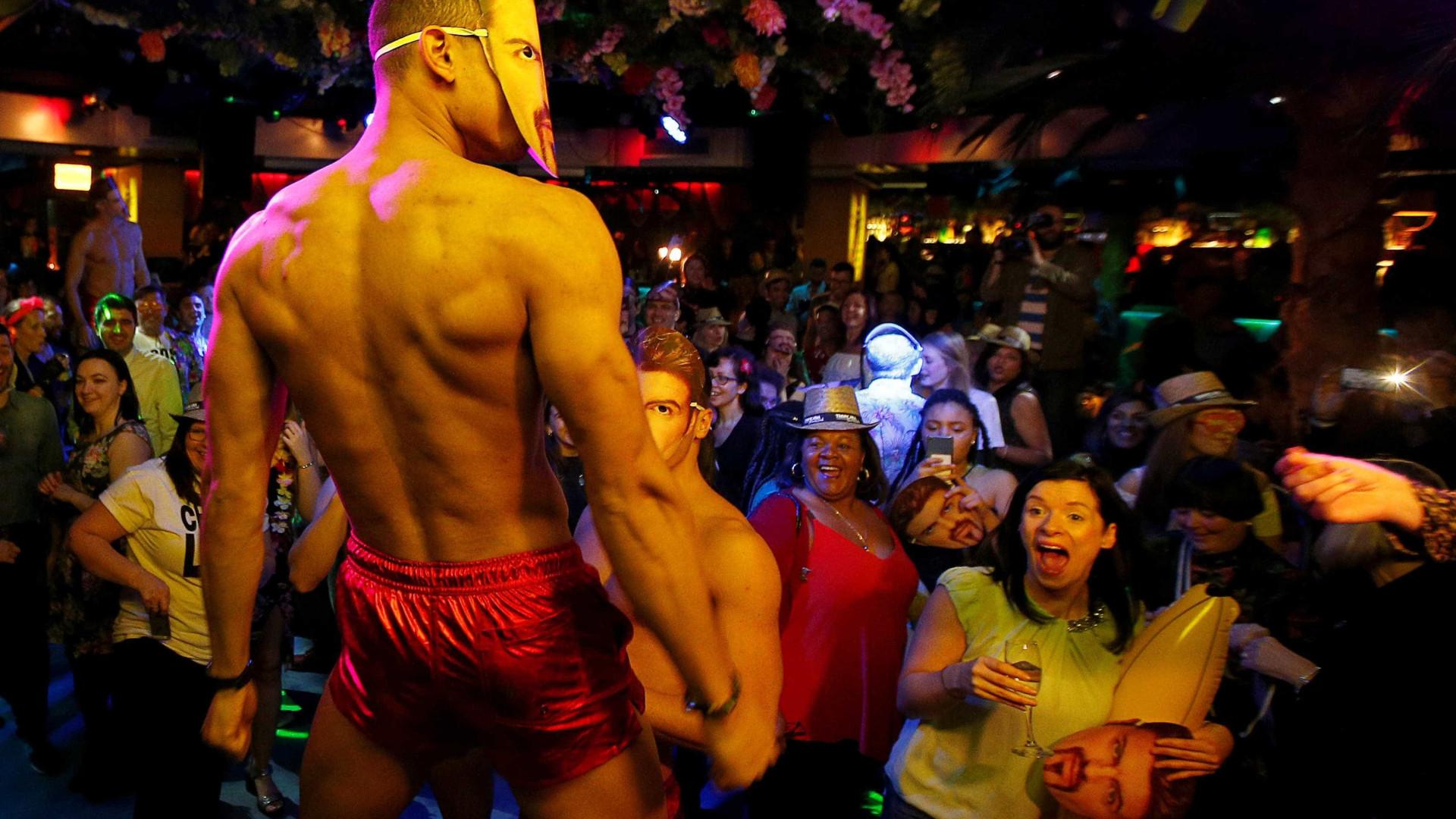 Discoteca pagava 100 euros a mulheres para entrarem sem cuecas