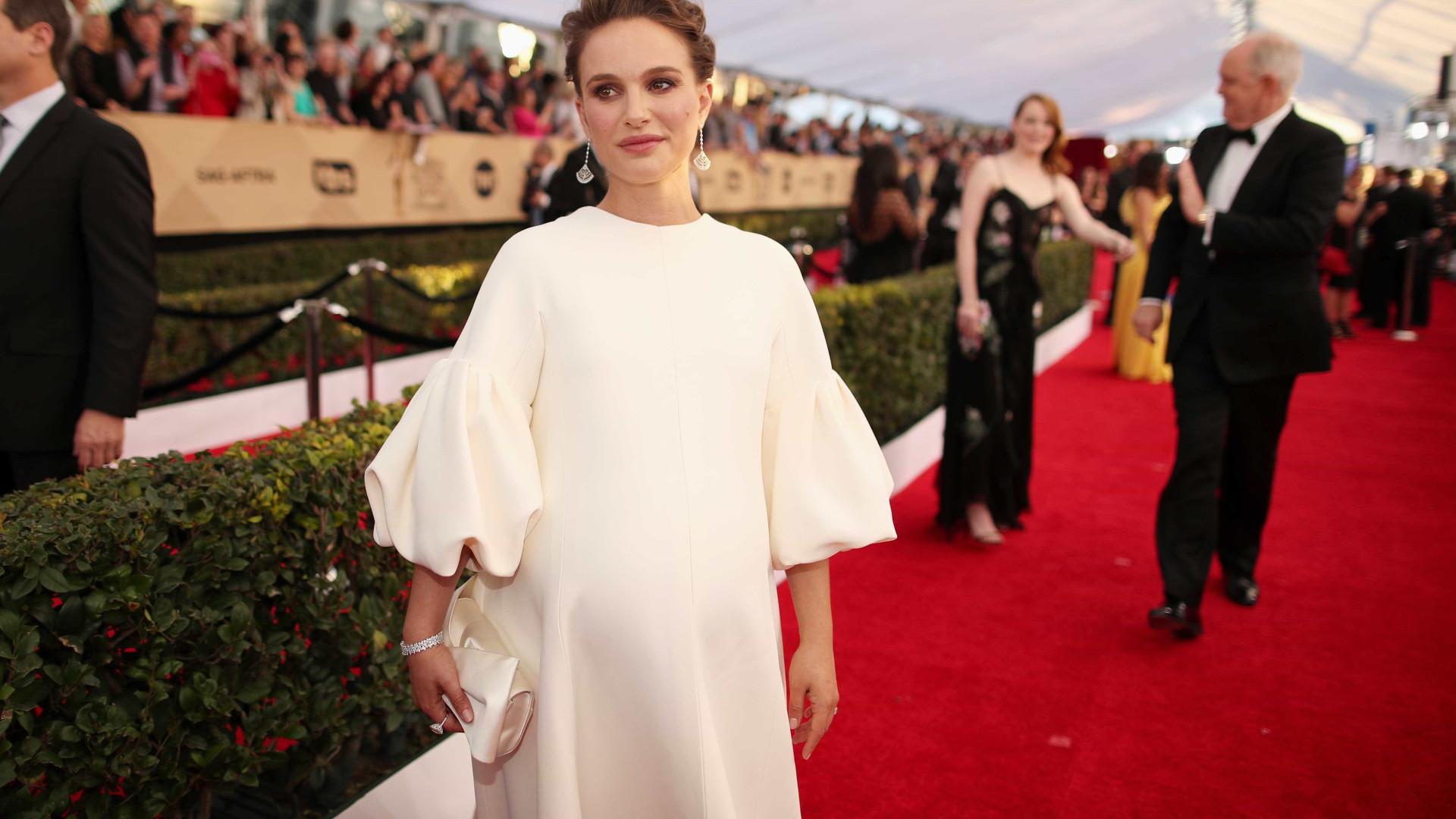 Natalie Portman faz primeira aparição em público após a gravidez