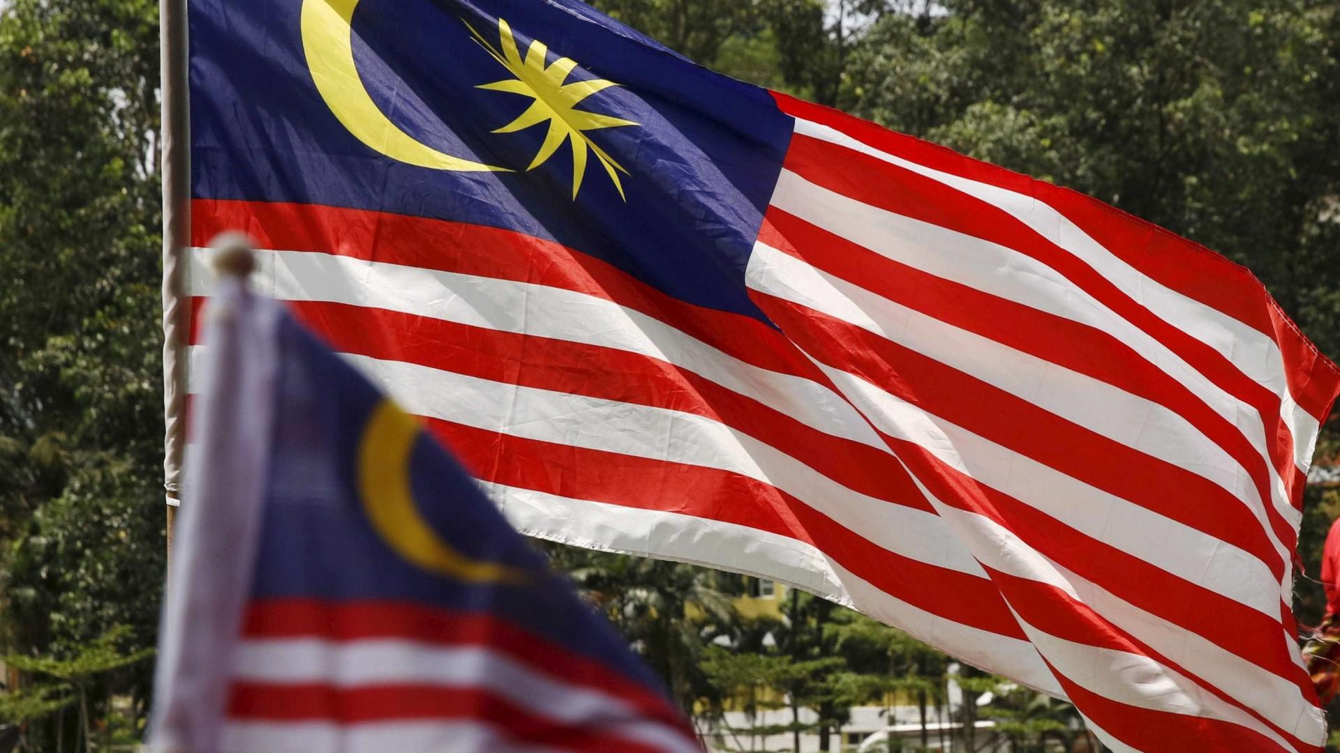 Seis mergulhadores morrem a tentar resgatar adolescente na Malásia