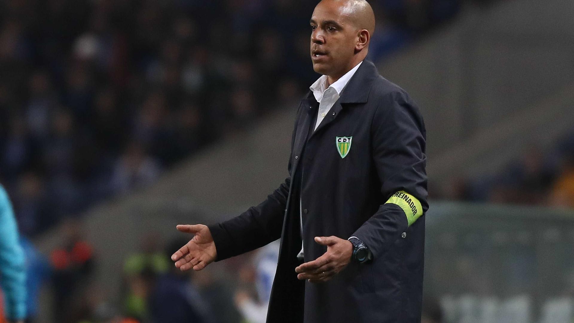 """Pepa antevê jogo """"muito intenso"""" com rival direto, o Feirense"""