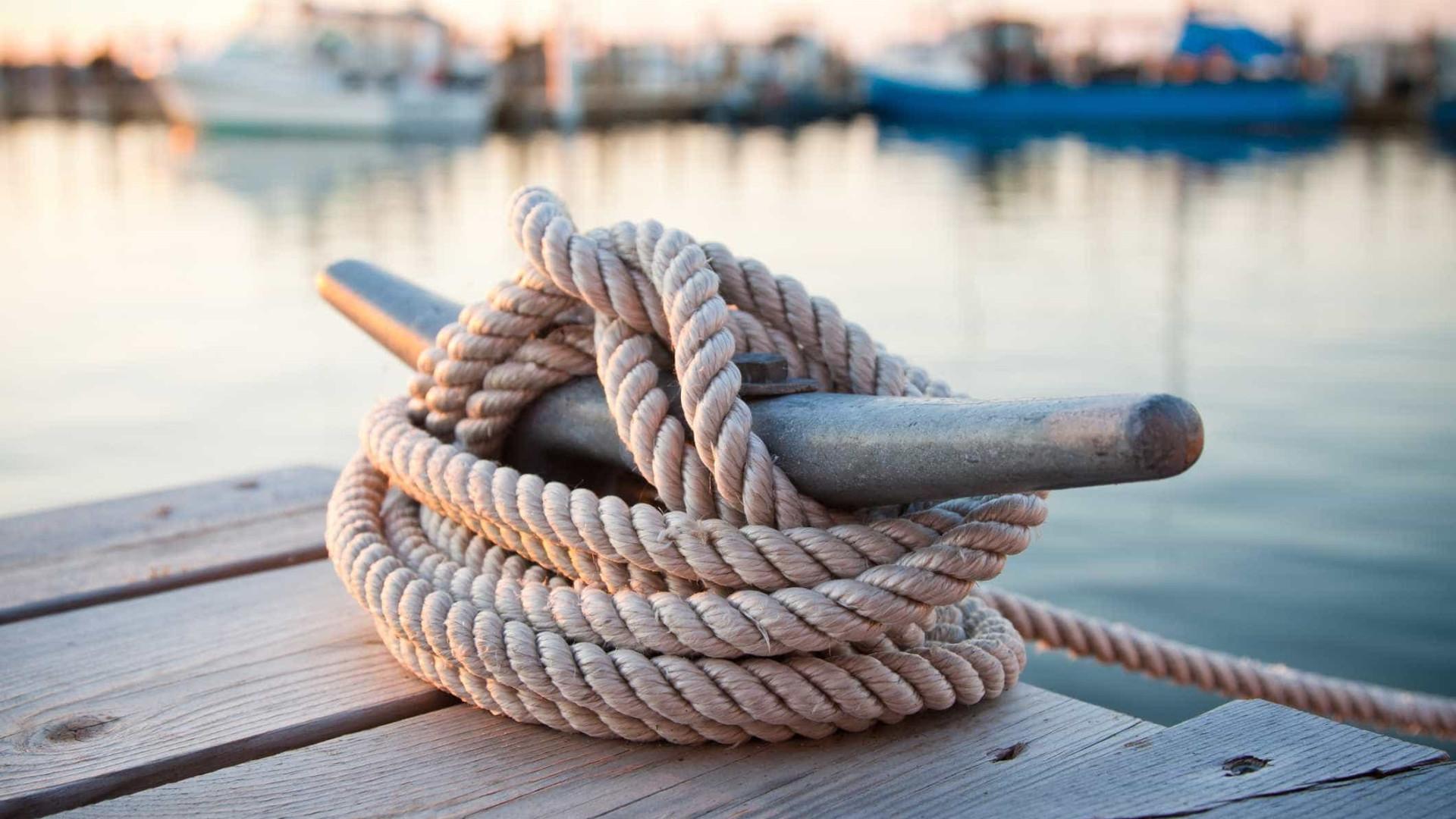 """Apreendida embarcação """"de alta velocidade"""" em Olhão"""