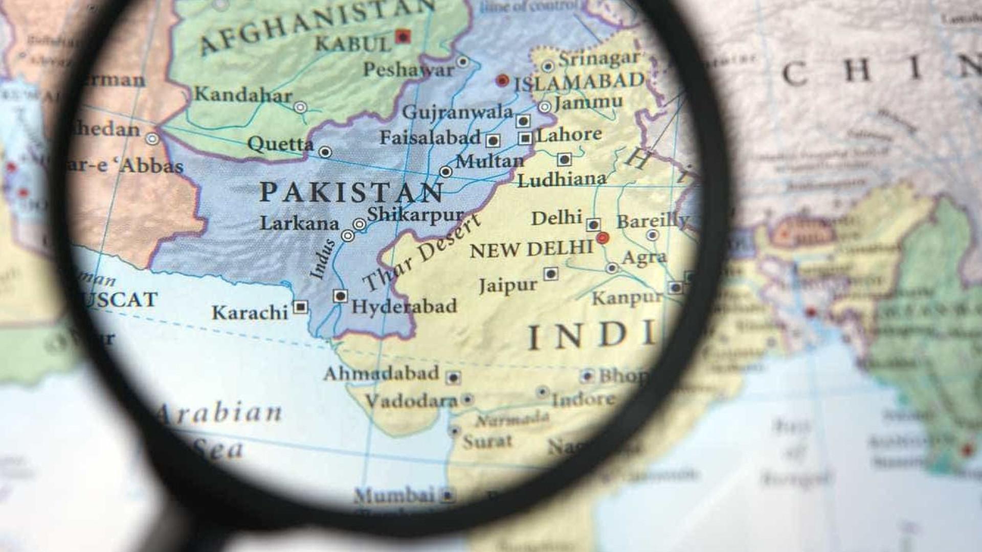 Sobe para 22 número de mortos em naufrágio ao largo do Paquistão