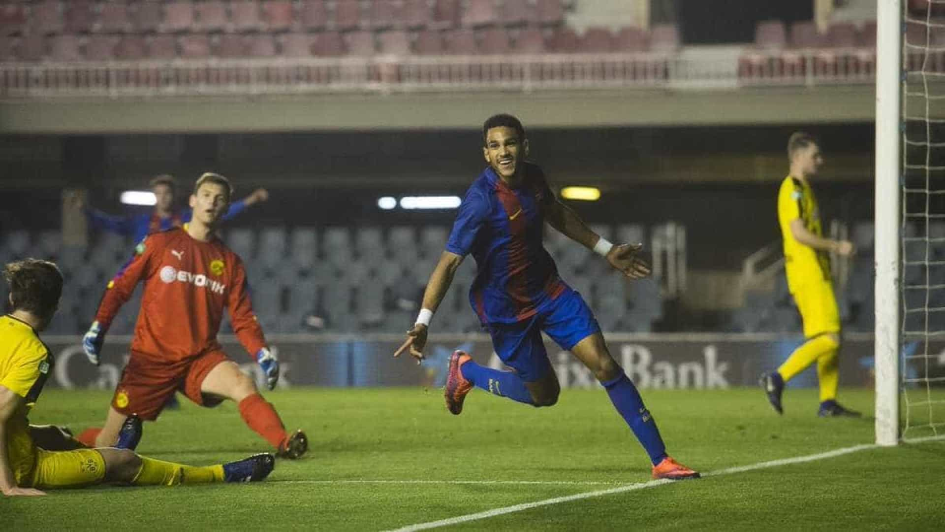 Salzburgo vence Barcelona e assegura final da UEFA Youth League