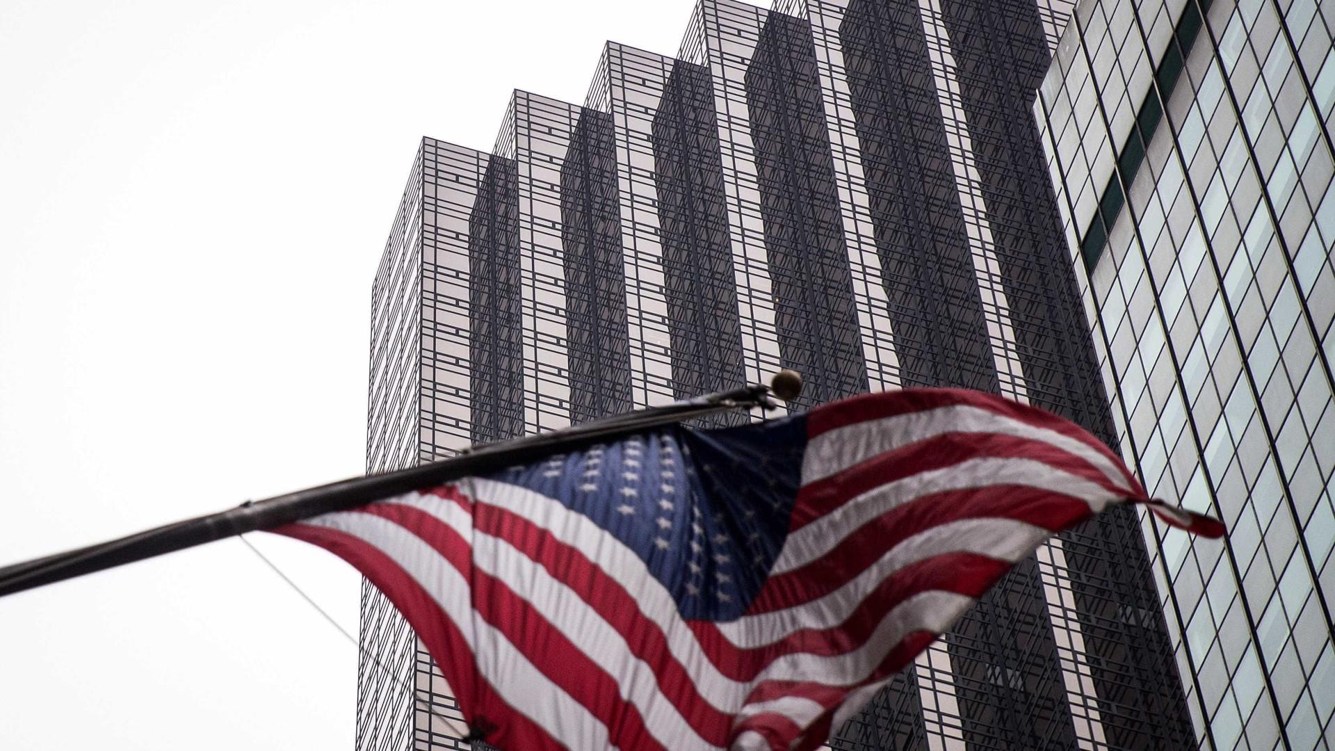 Um terço da população dos EUA diz ter dificuldades financeiras