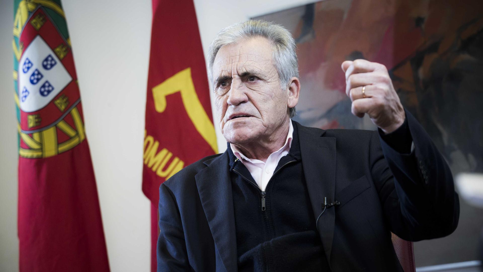 "Líder do PCP lamenta ""campanha brutal"" sobre financiamento dos partidos"