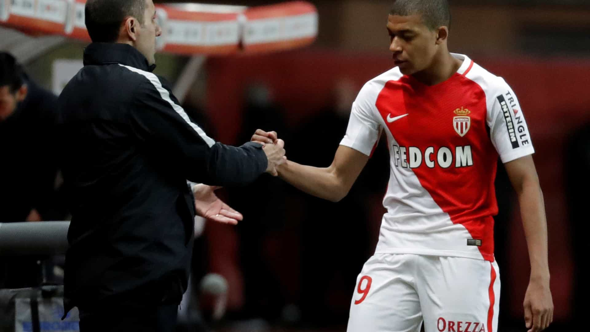 """""""Mbappé? Tem contrato e vai continuar no Monaco"""""""
