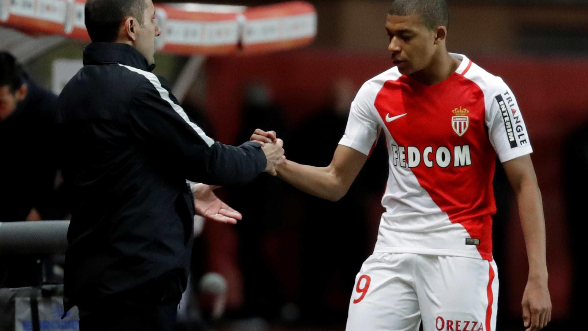 """""""Quero que fique"""", diz Leonardo Jardim sobre Mbappé"""