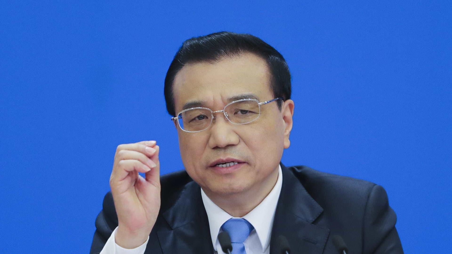 Li Keqiang envia condolências a homólogo egípcio por colisão de comboios
