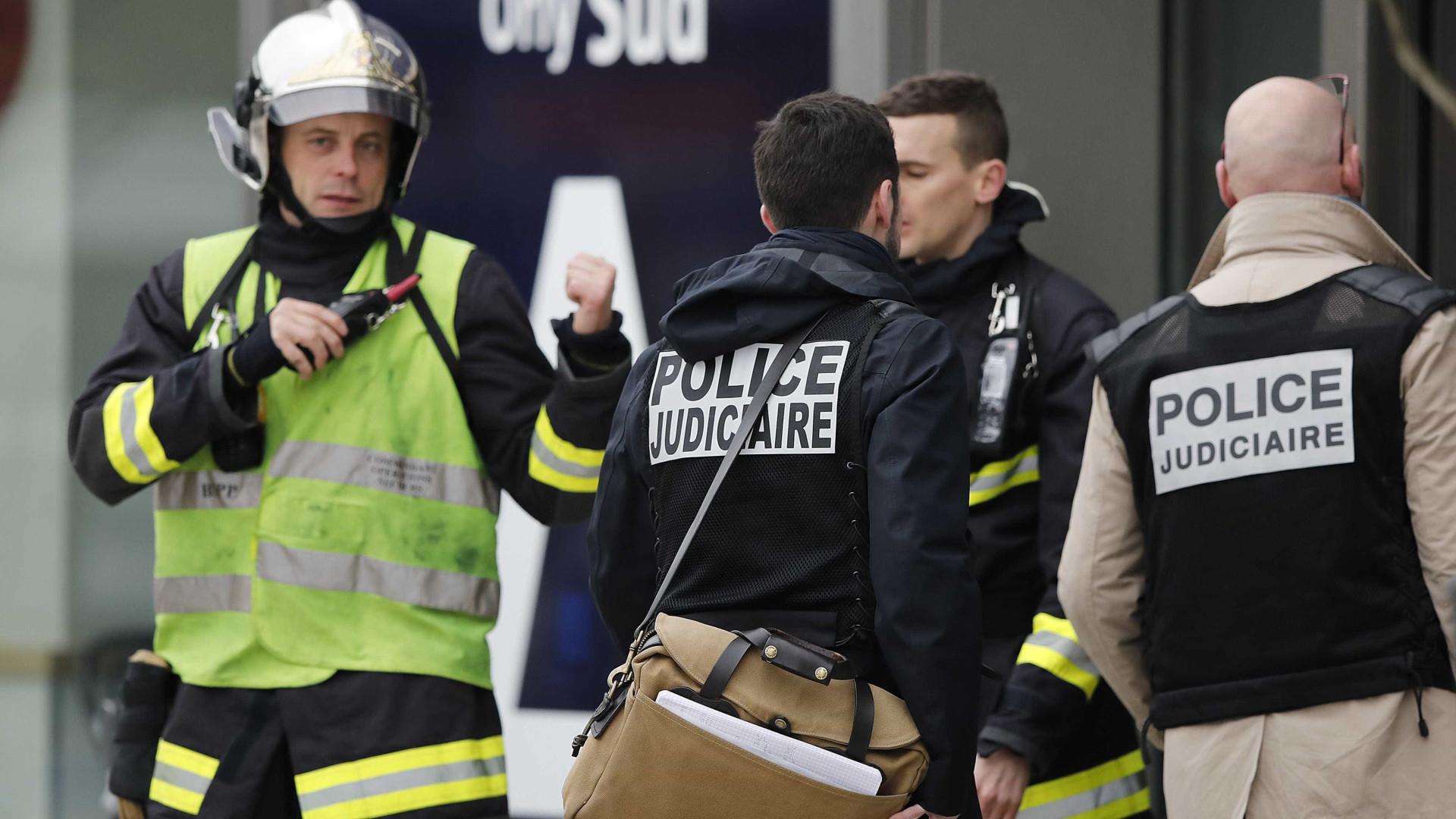Detidos dois suspeitos de entregarem arma a agressor abatido em Orly