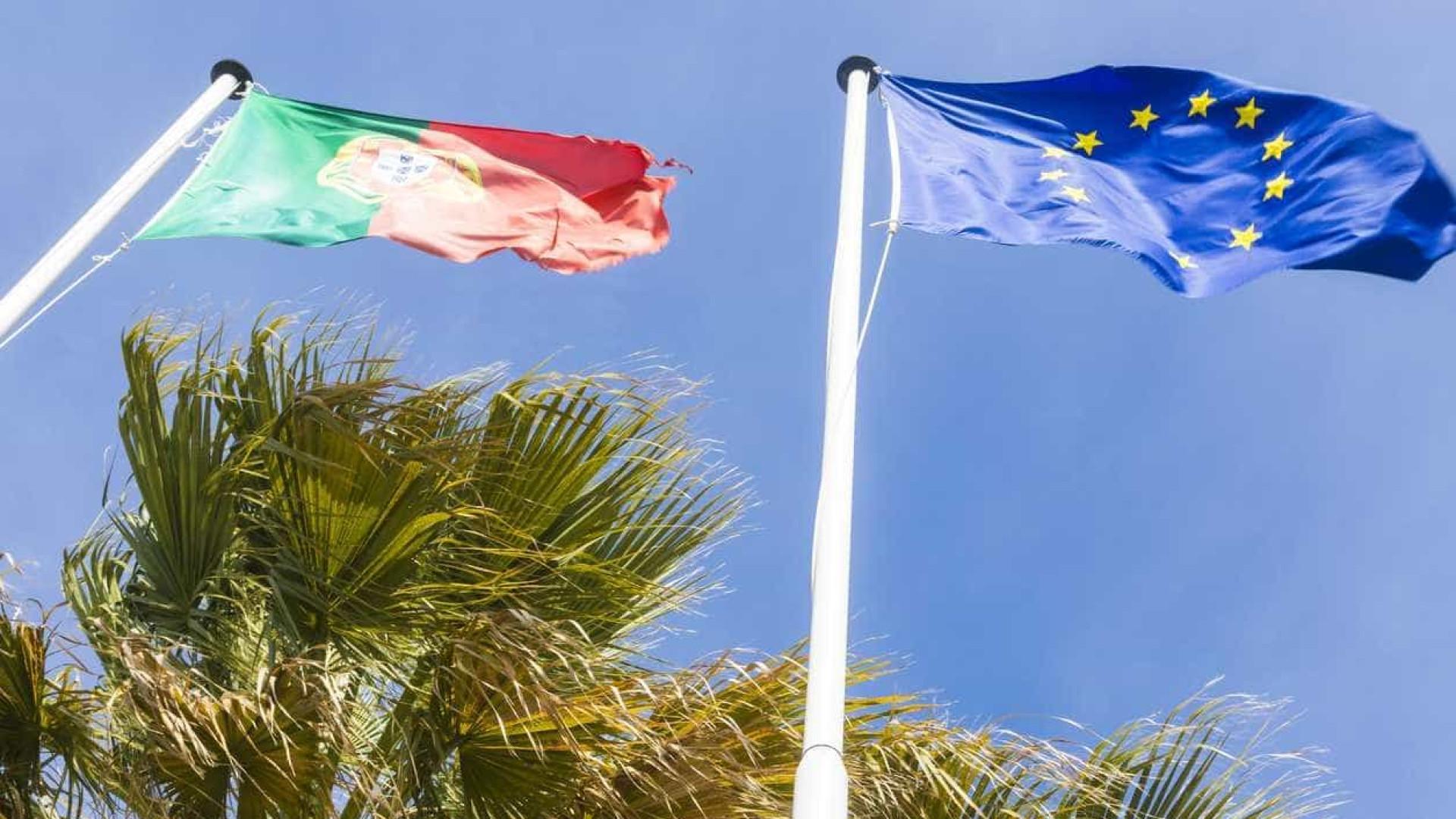 Bruxelas pede redução da dívida e implementação de reformas