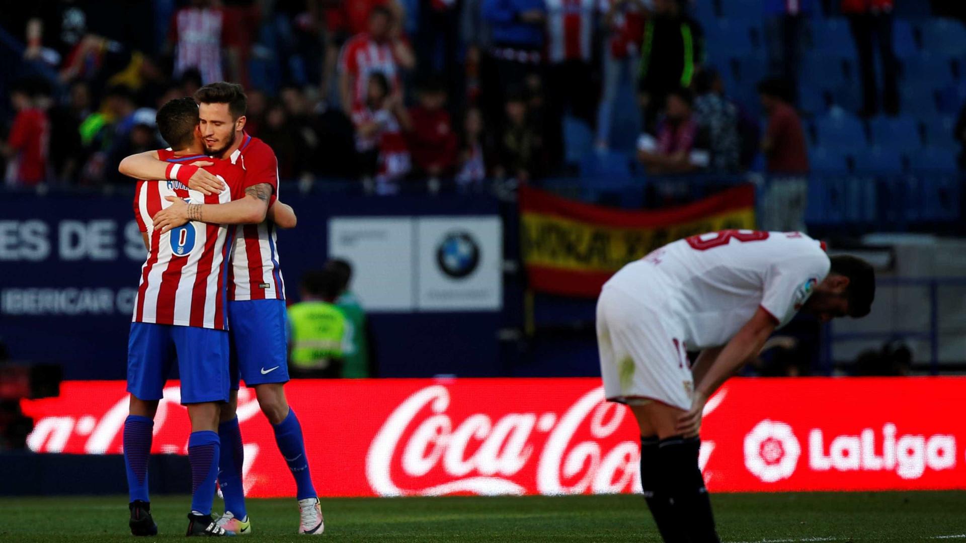Atlético Madrid vence Sevilha e mantém-se na luta pela Champions