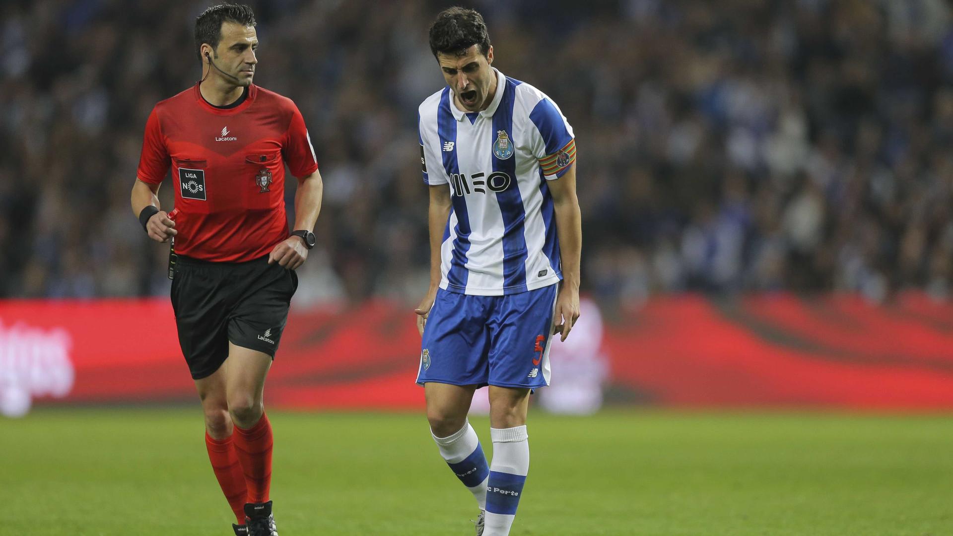 """FC Porto queixa-se da arbitragem: """"Três penáltis por marcar"""""""