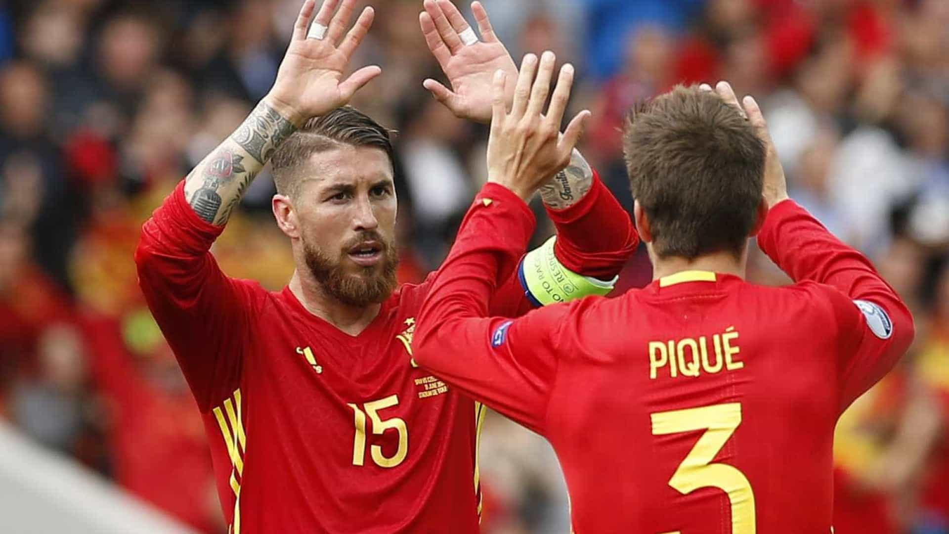 """Sergio Ramos fala da rivalidade com Piqué: """"Gostamos de nos provocar"""""""