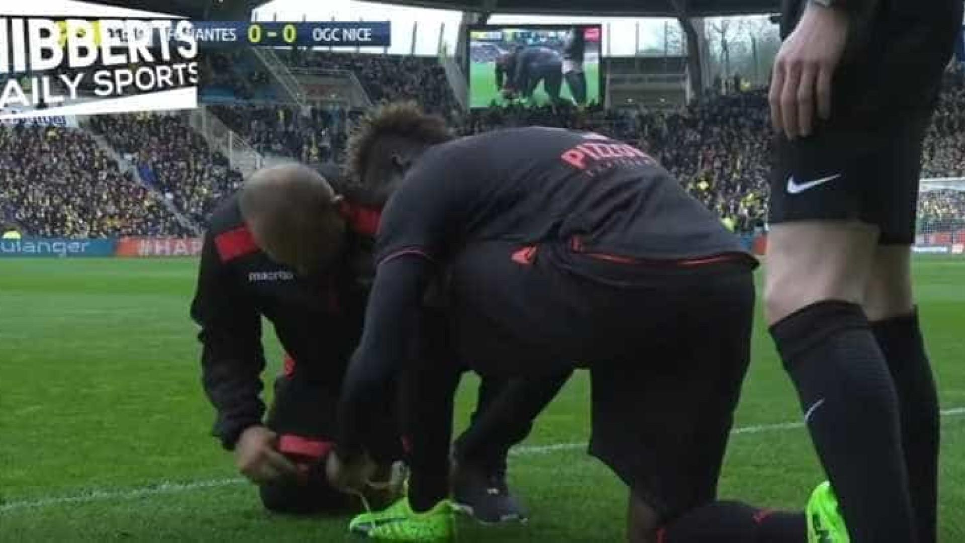 Foi por isto que Balotelli perdeu os primeiros minutos de um jogo