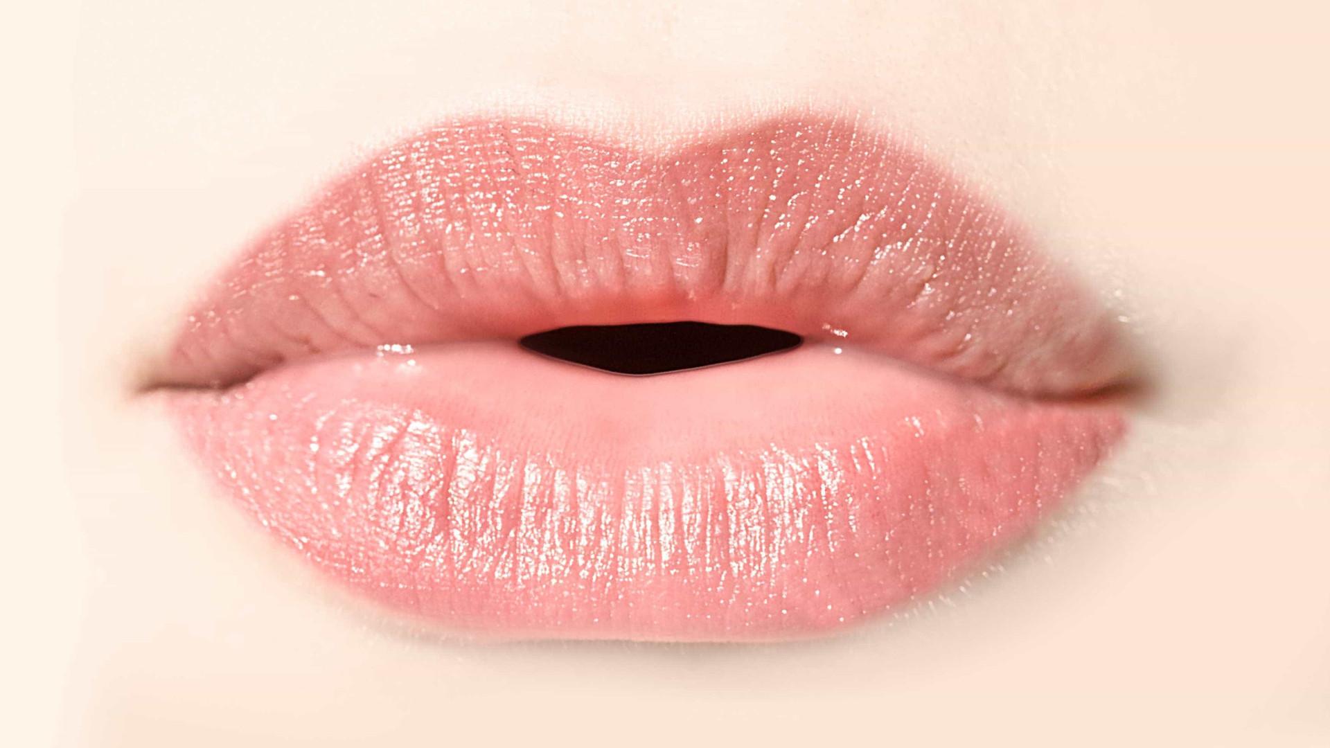 Lábios secos? Conheça as principais causas e como resolver o problema