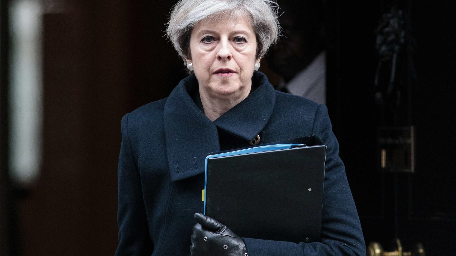 May promete votação sobre acordo do Brexit