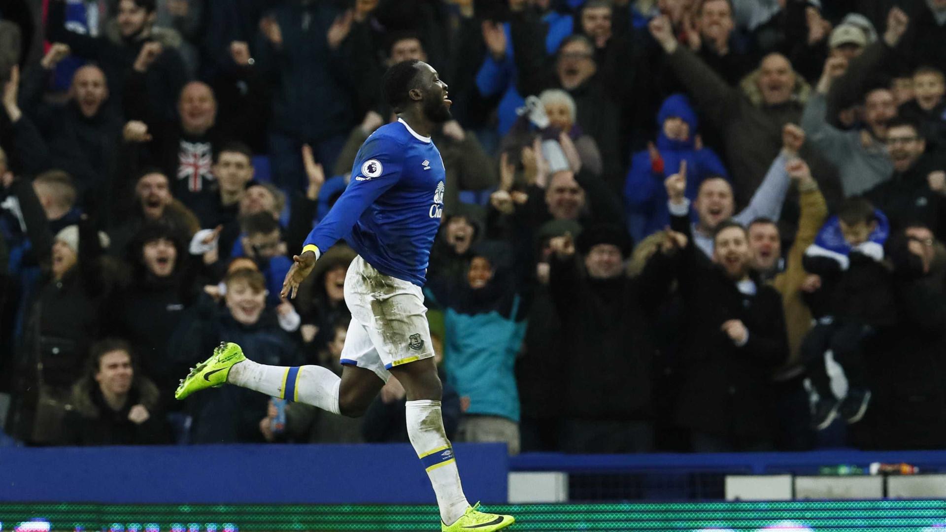 Rooney perto de regressar ao Everton com aval de Mourinho