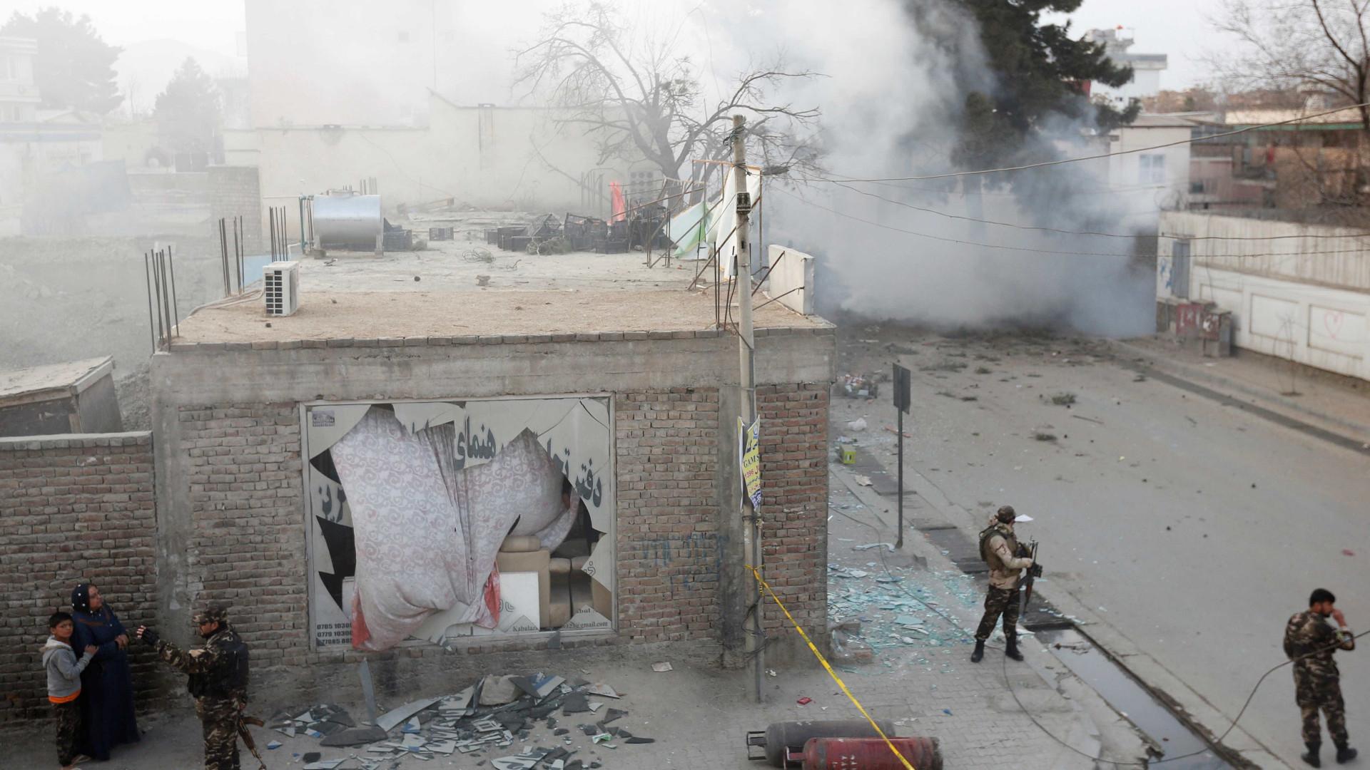 Ataque a um posto de controlo matou dez pessoas no Afeganistão