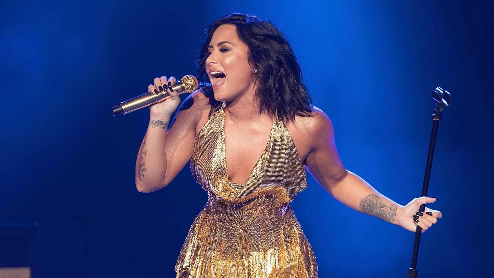 Demi Lovato recusa-se a dar autógrafo