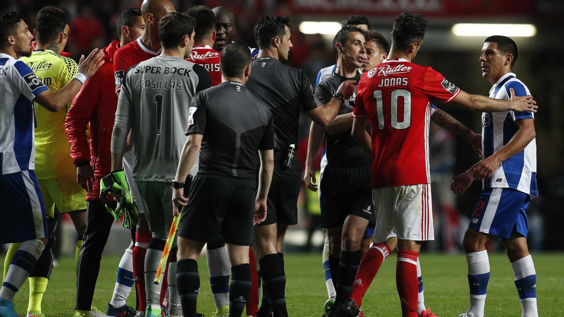"""Absolvição do 'Apito Final' é """"derrota"""" para o Benfica, diz o FC Porto"""