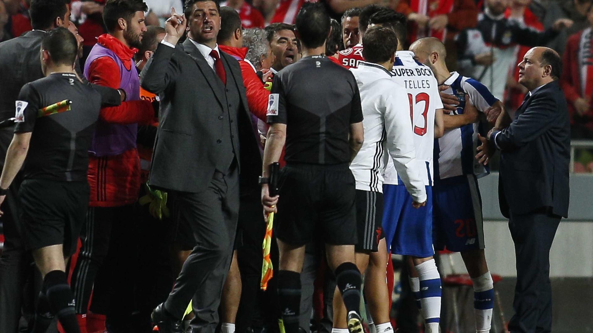 """Benfica ataca FC Porto com lista que inclui """"suspeita de corrupção ativa"""""""