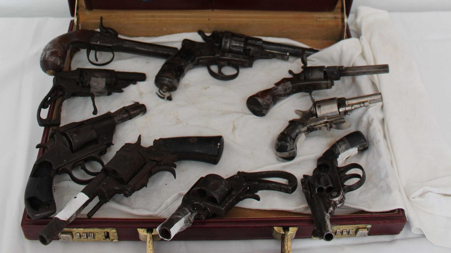 Sargento nega em tribunal envolvimento em tráfico de armas