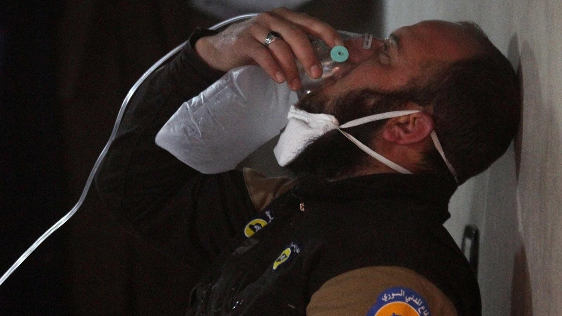 União Europeia aplica sanções a 16 sírios envolvidos em ataques químicos