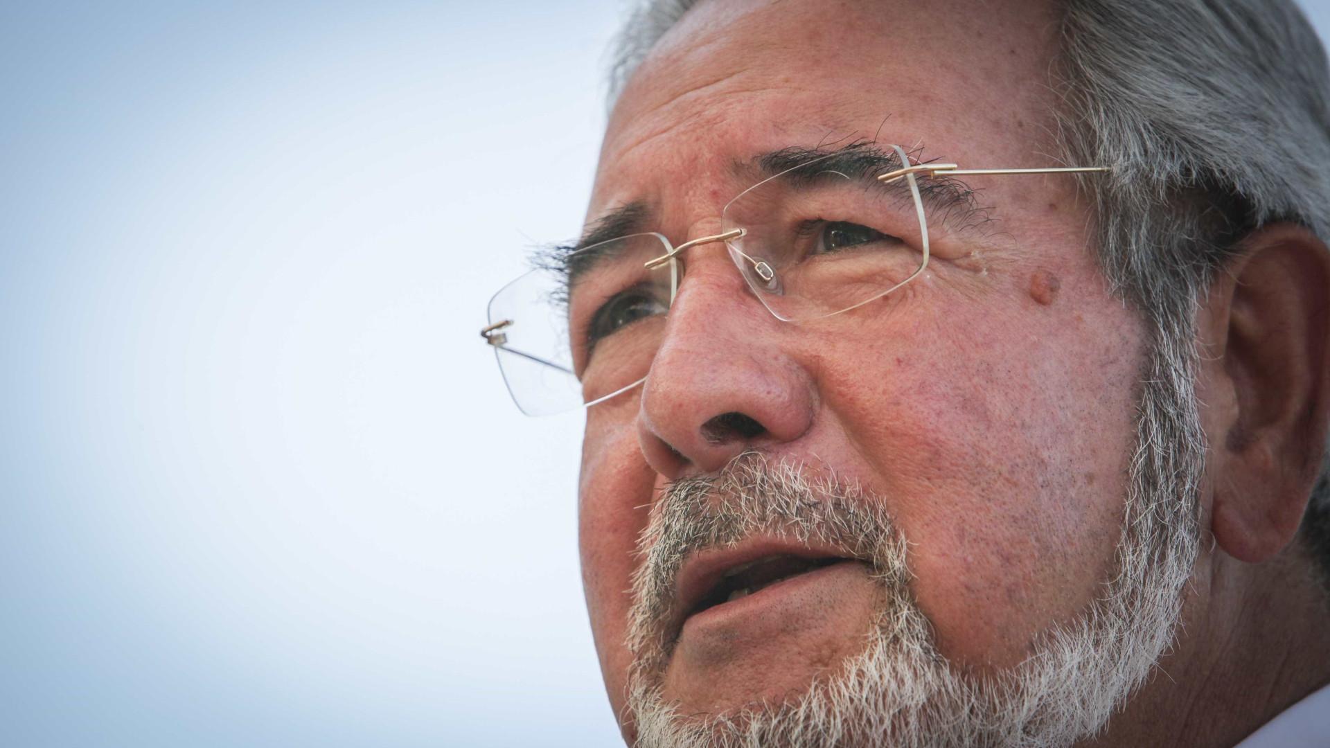 Isaltino Morais formaliza candidatura após recolha de 31 mil assinaturas
