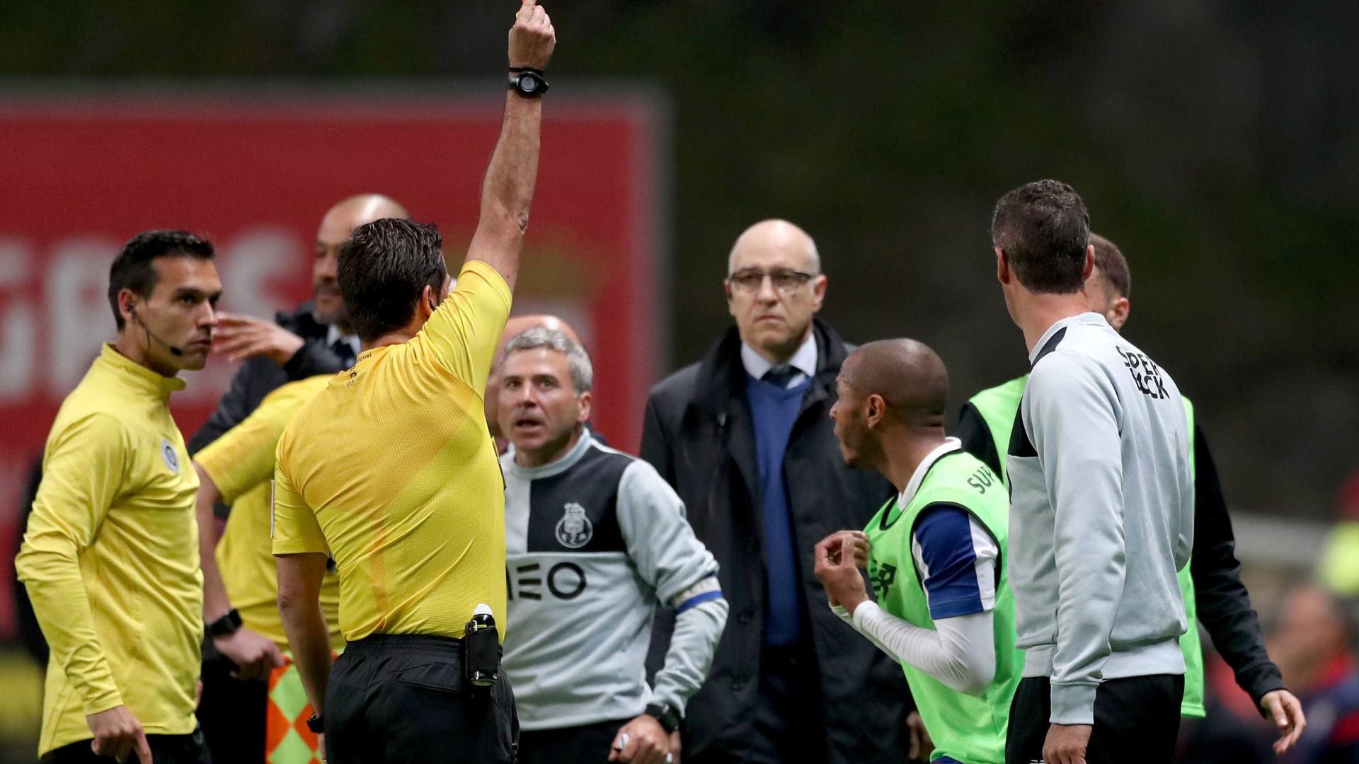 #JeSuisBrahimi: Jogador do FC Porto com direito a hashtag e máscara