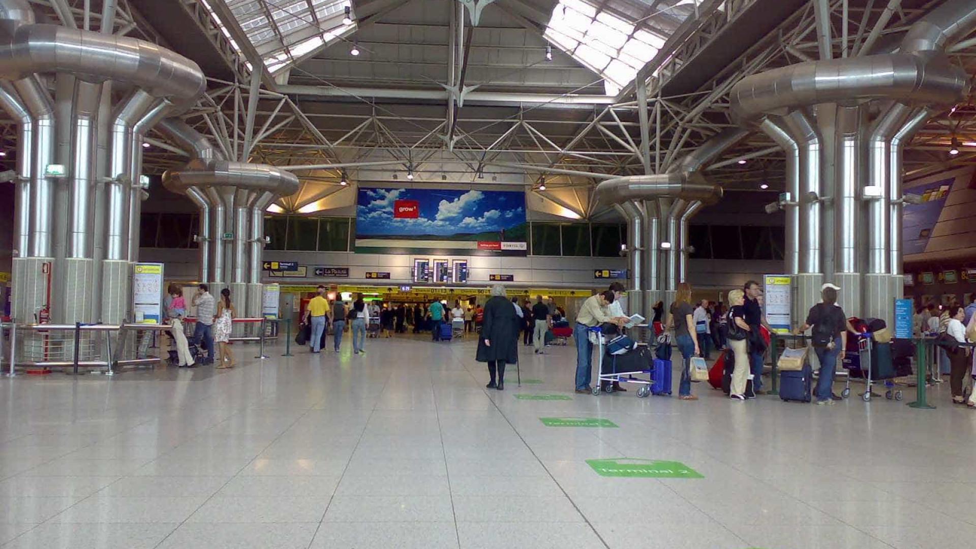 Passageiros devem chegar 4 horas mais cedo aos aeroportos