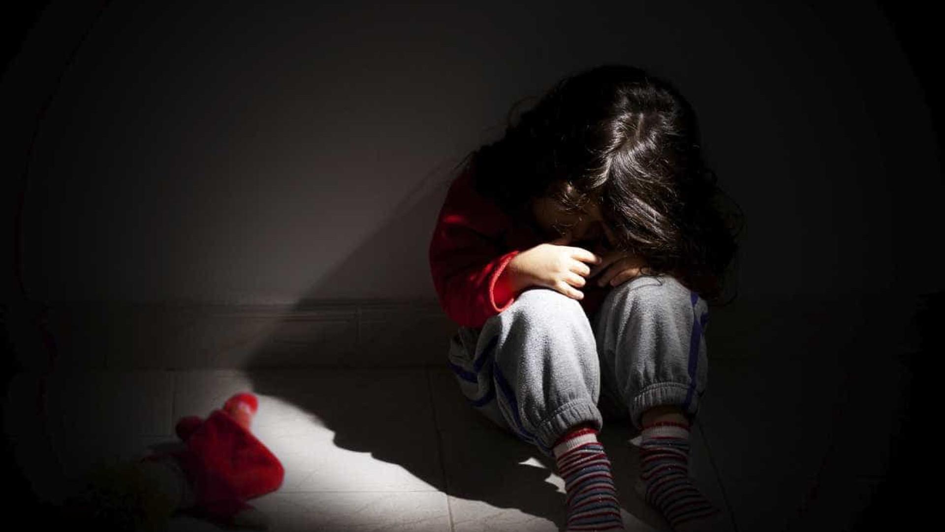 Açores: Homem de 25 anos suspeito de violar familiar de 13 anos