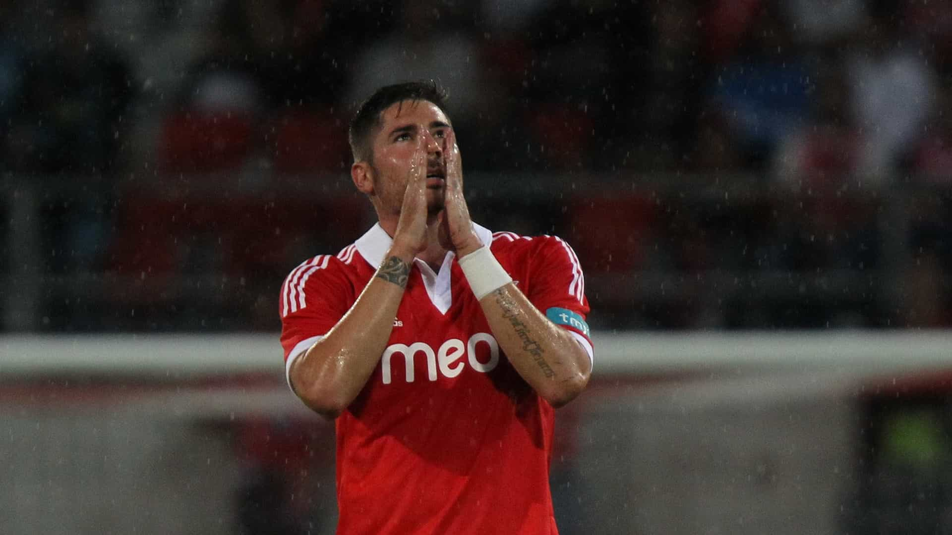 Javi Garcia, ex-Benfica, vai agir judicialmente contra Alan