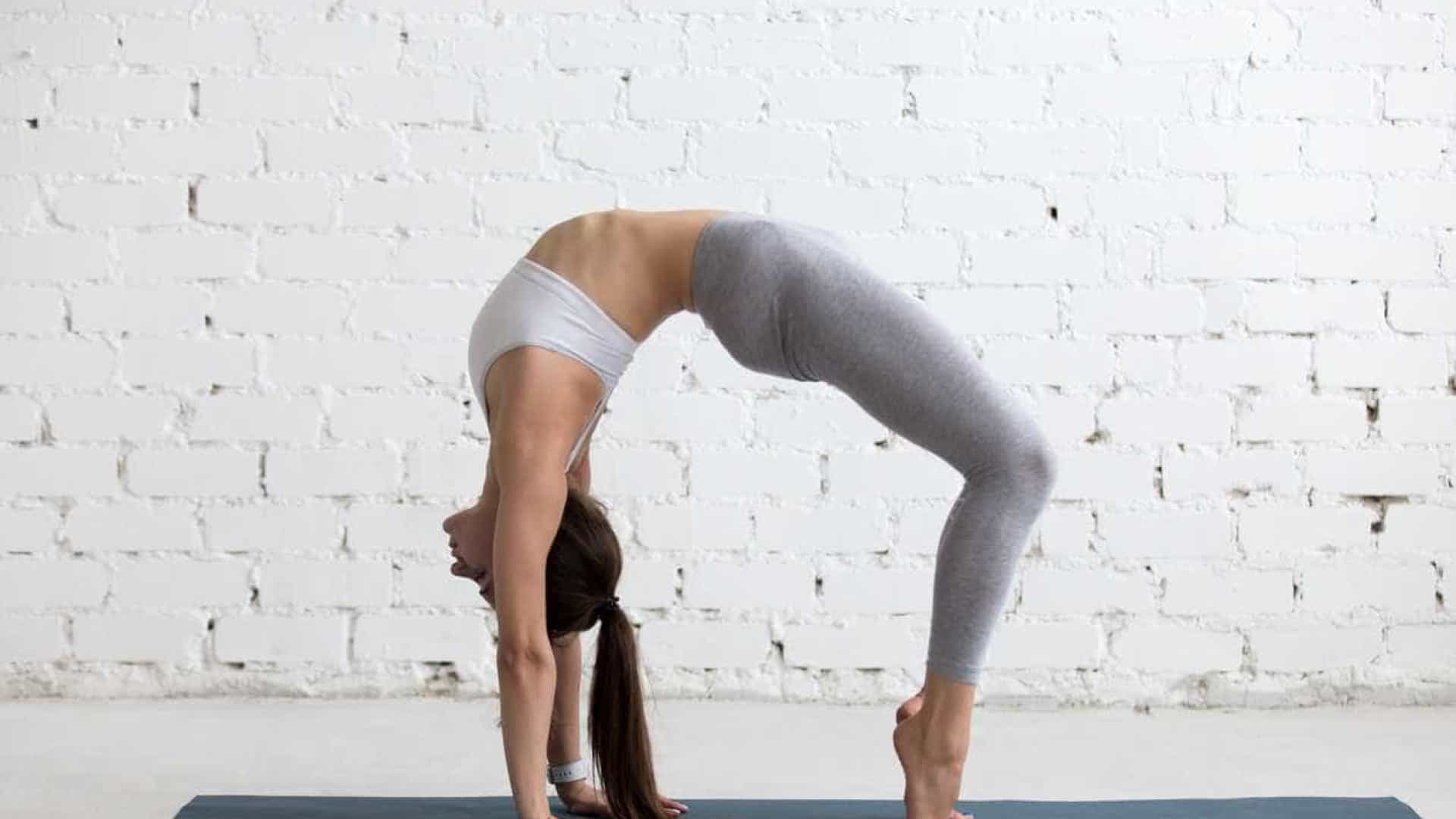 Não se deixe intimidar por estes mitos sobre o yoga