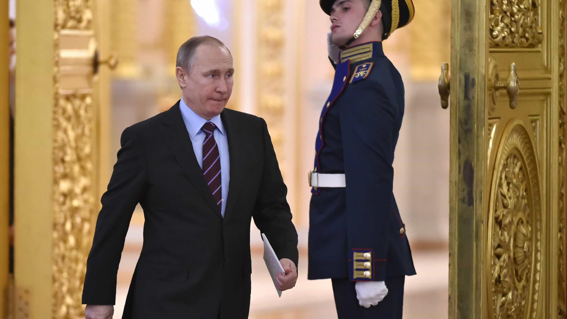 Kremlin não confirma detenções de homossexuais na Chechénia