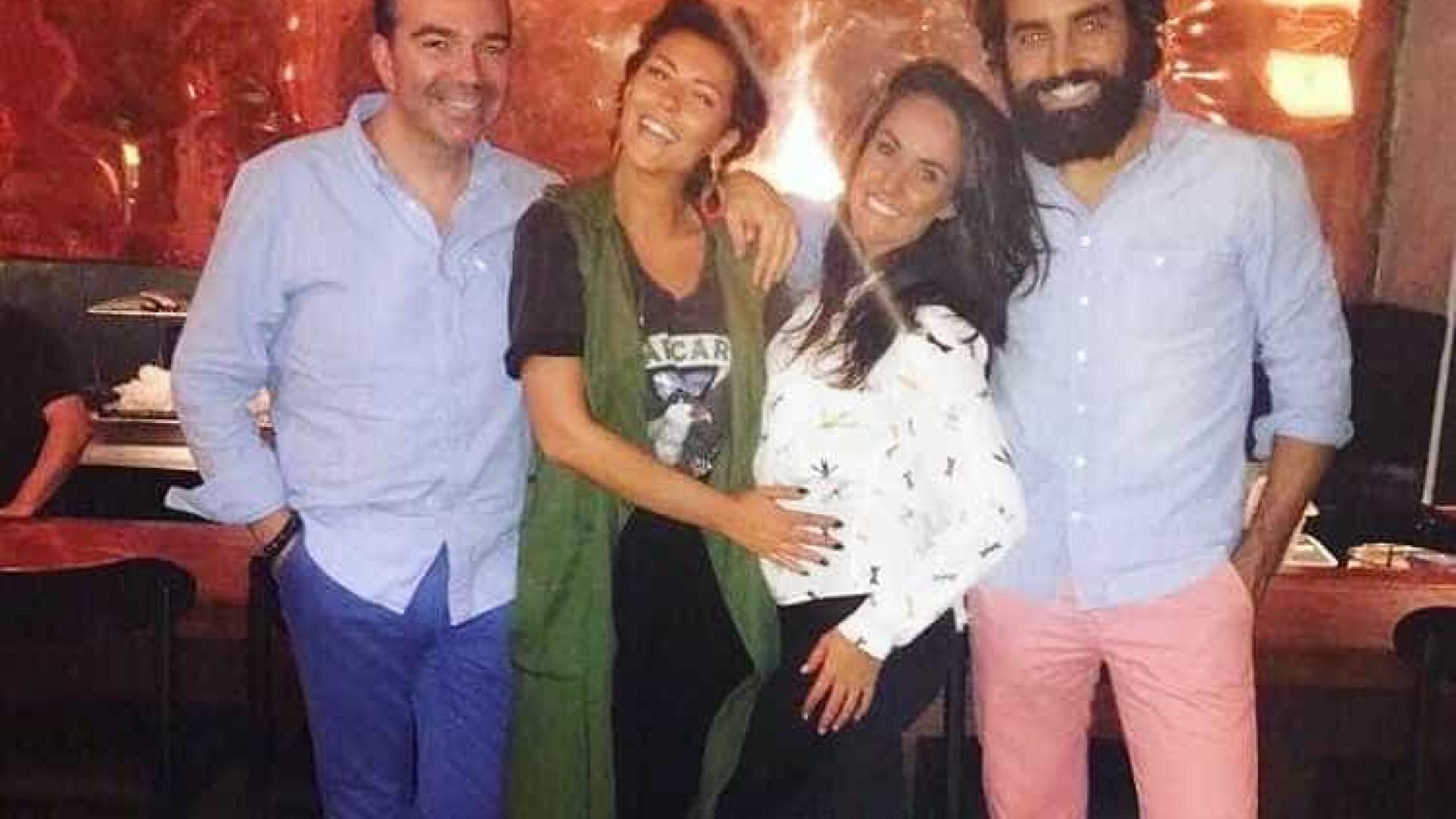 Sofia Ribeiro com amigos portugueses no Rio