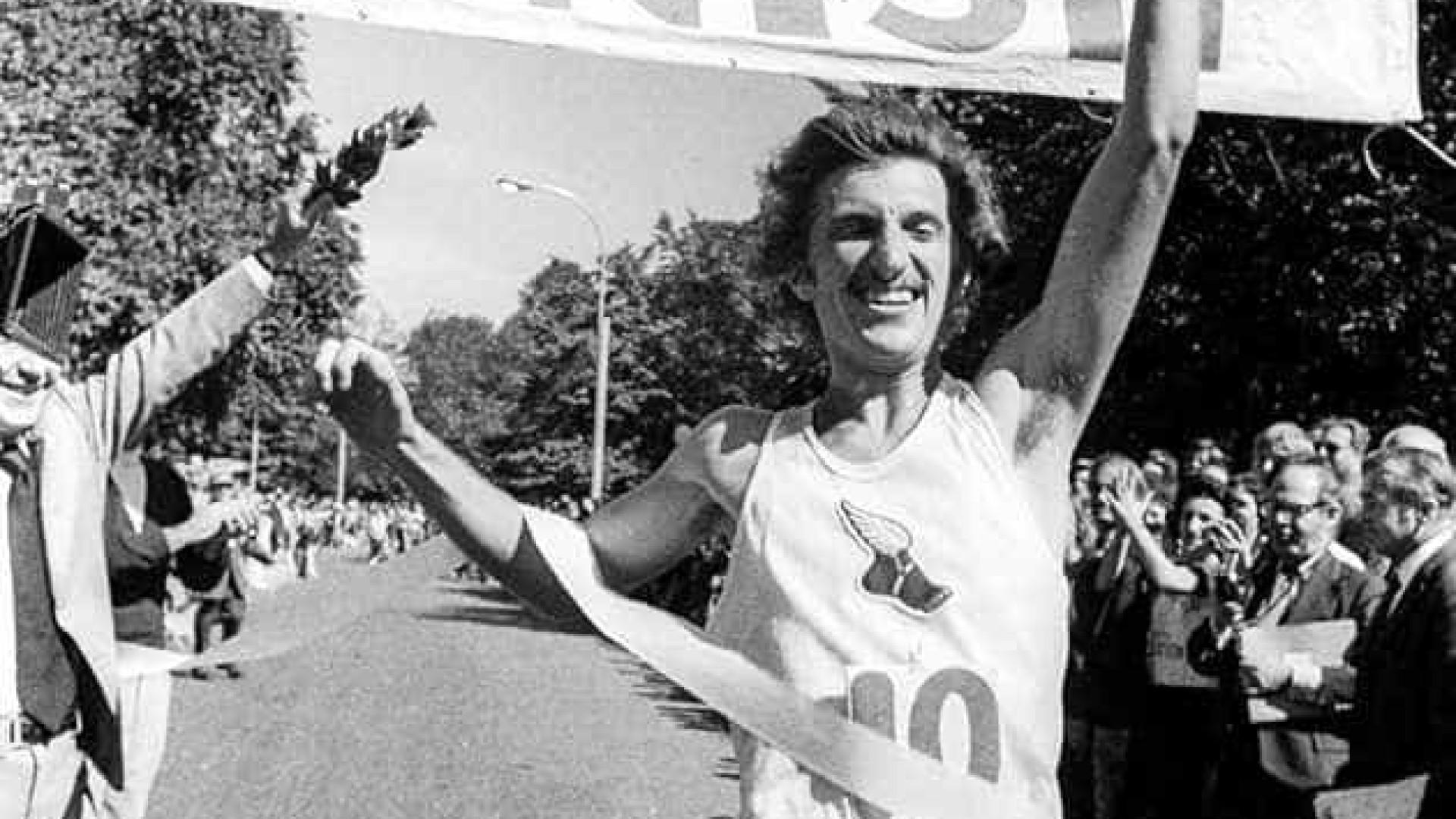 Icónico maratonista americano morreu a caminho de um treino