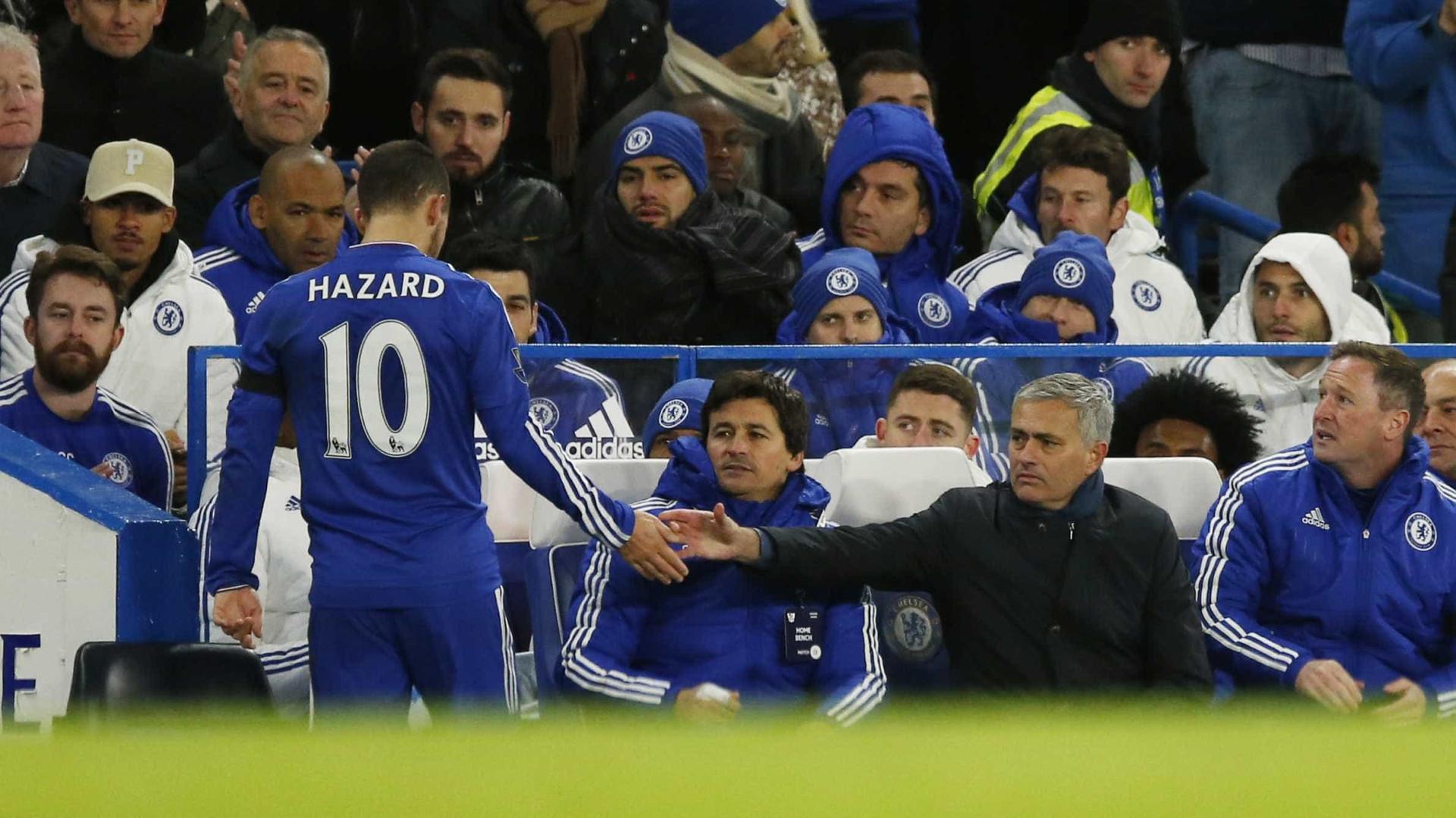 """Hazard nega má relação com Mourinho: """"Sempre estive ao lado dele"""""""