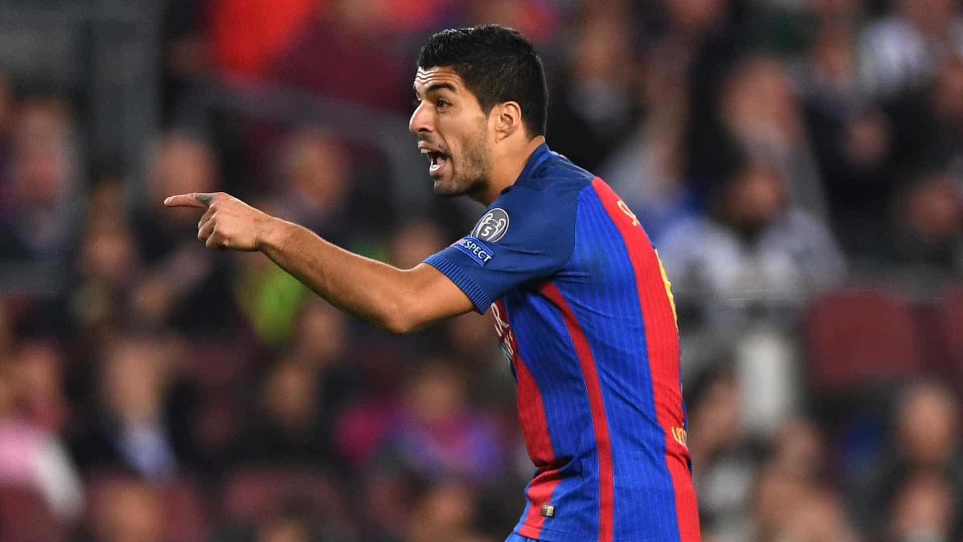 """Suárez frustrado com o árbitro: """"És um cobarde!"""""""