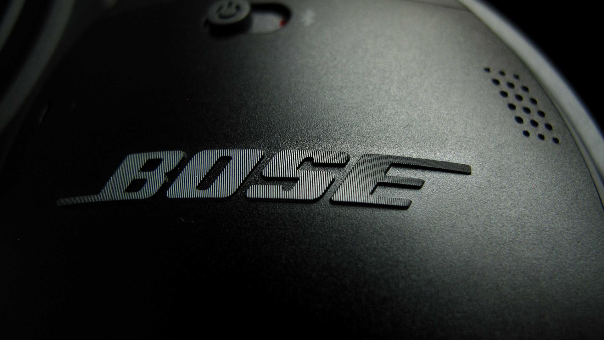 Bose acusada de espiar os utilizadores dos seus headphones